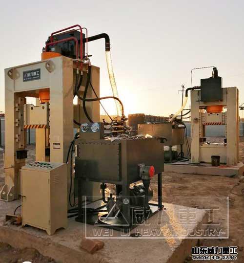 200吨框架shi液压机安装xian场