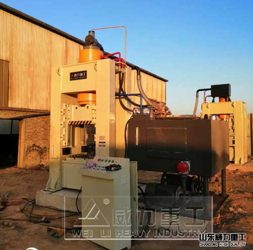 400吨框架shi液压机