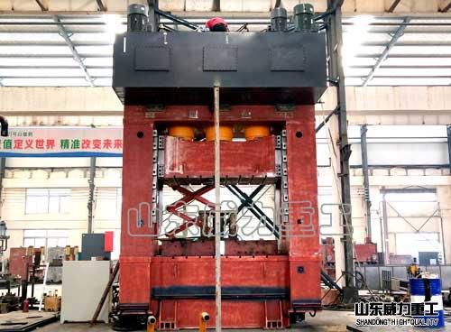 1250吨框架式液压机装配现changtu