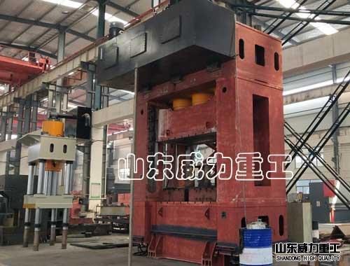 1250吨框架式液压机侧视tu