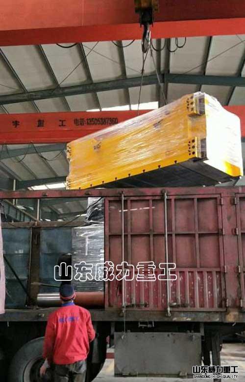 1250吨框jia式液压机fa货现场
