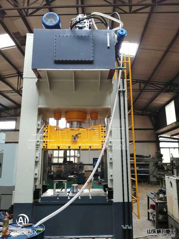 YW34-200T框架式液压机