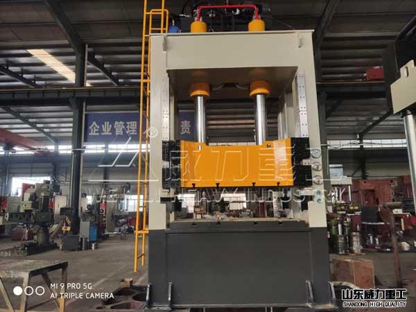 160吨框jia式kuai速薄板拉shen机