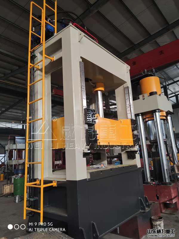 160吨kuang架式液压机che间装配图
