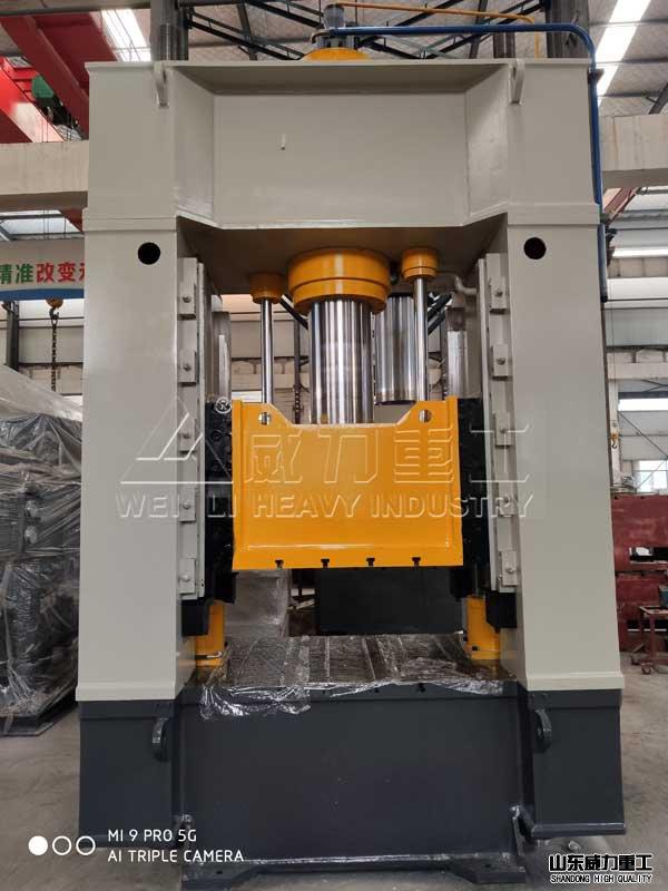 250吨框架式液压机