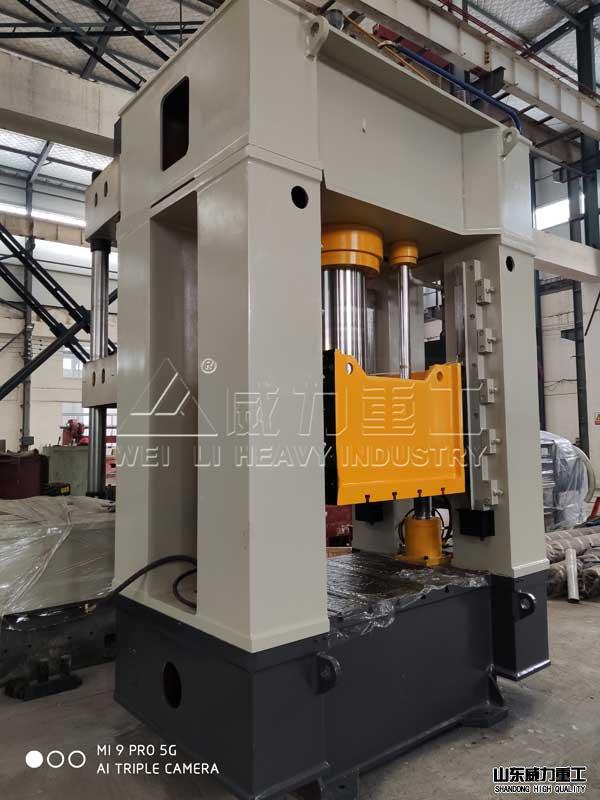 250吨框架式液压机ce视图