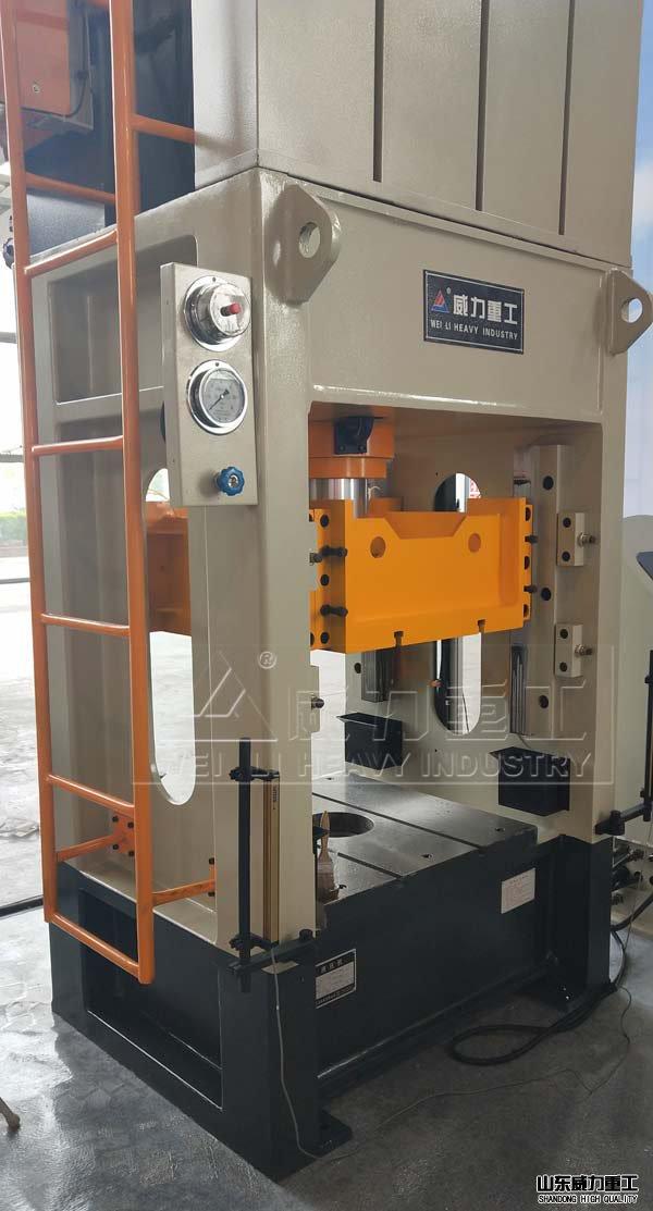 200吨框式汽砫e谑渭hengxingyeya机