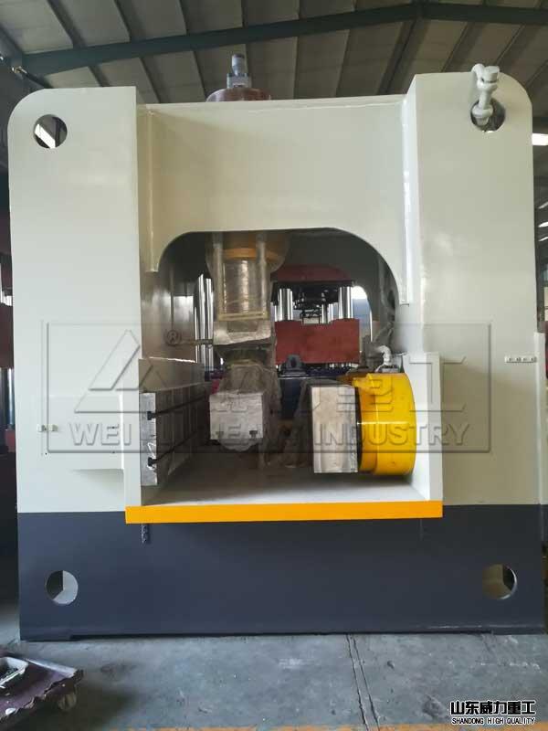 1200吨框架shiye压机